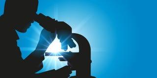 Исследователь смотря в микроскоп иллюстрация вектора