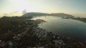 Исследовать утра воздушный и видео- города Coron PALAWAN philippines акции видеоматериалы