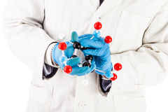 Исследователь лаборатории с структурой молекулы tnt Стоковые Изображения RF