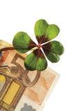 4-листанный клевер на банкноте евро 50, конце-вверх Стоковые Изображения