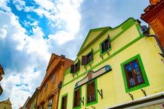 Историческая архитектура в центре Cesky Krumlov Стоковые Изображения RF