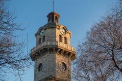 Историческая башня с часами в Варне, Болгарии Стоковые Изображения