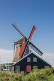 Историческая голландская ветрянка в Zaanse Schans Стоковая Фотография RF