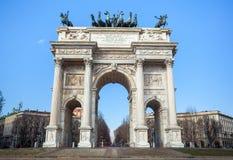 Историческая мраморная побежка della Arco свода, квадрат Sempione, милан, Стоковые Изображения RF