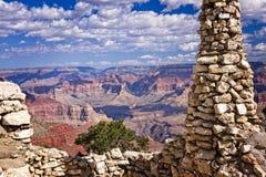 Историческая точка зрения над гранд-каньоном стоковое изображение