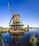 Исторические ветрянки Zaanse Schans на Амстердаме, Нидерландов Стоковые Изображения RF