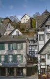 Исторические дома в Monschau, Германии стоковые фото