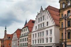 Исторические дома в Straubing, Германии стоковые изображения rf