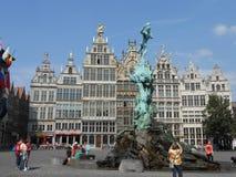Исторические здания в красивом Antwerpen, Бельгии стоковое изображение rf