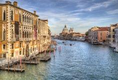 Исторические здания на большом канале в Венеции, Италии стоковые фотографии rf