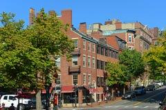 Исторические здания на холме маяка, Бостоне, США Стоковые Фотографии RF