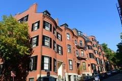 Исторические здания на холме маяка, Бостоне, США стоковая фотография