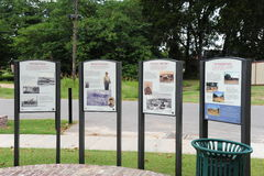 Исторические информационные металлические пластинкы на форте Кертисе, Helena Арканзасе Стоковые Фотографии RF
