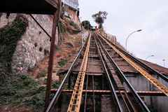 Исторические лифты Вальпараисо, Сантьяго, Чили стоковые изображения rf