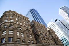 Исторические и современные здания в городском Далласе Стоковое Фото