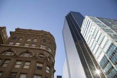 Исторические и современные здания в Далласе TX Стоковые Изображения