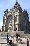 Исторические церковь и фотограф на работе Стоковая Фотография RF