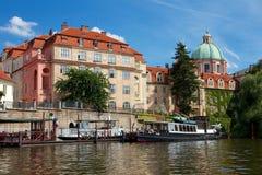 Исторический берег реки Праги Стоковые Изображения RF