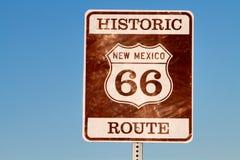 исторический знак трассы 66 стоковые изображения rf
