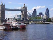 Исторический и футуристический в Лондоне Стоковая Фотография RF
