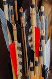 Исторический комплект старых деревянных стрелок с ярким оперением Стоковая Фотография RF