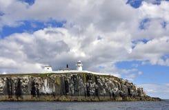 Исторический маяк острова северной восточной Англии Стоковое Изображение RF