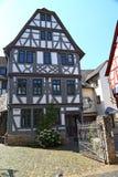 Исторический полу-timbered дом в городке Diez Германия стоковое фото