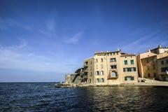 Исторический старый городок St Tropez, Франции стоковая фотография