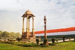 Исторический строб Дели Индии - военный мемориал на дороге Нью-Дели Rajpath стоковое фото