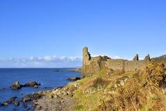 Исторический шотландский Seascape замка низменности Стоковые Фотографии RF