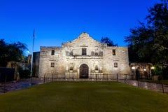 Исторический Alamo на сумерк Стоковое фото RF