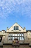 Историческое английское елизаветинское здание стоковые фото