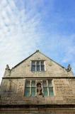 Историческое английское елизаветинское здание стоковое фото