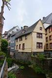 Историческое деревянное здание в Monschau на Rur реки Стоковое фото RF