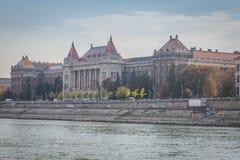 Историческое здание в Будапеште стоковое фото
