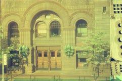Историческое здание с особенными воротами в городской Оттаве, Канаде стоковые фотографии rf