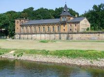 Историческое здание на реке Эльбе Стоковое Фото