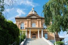 Историческое каштановое здание суда стоковая фотография rf