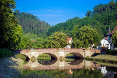 Историческое Waldhornbridge в Sulz на Неккаре стоковое фото rf