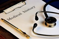 история болезни € медицины» наука которая изучает заболевание, предотвращая и водя их к успешному завершению доктора стоковые фотографии rf