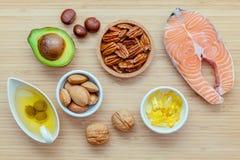 Источники еды выбора омеги 3 и unsaturated сал супер fo Стоковые Фотографии RF