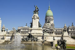 Источник и монументальный комплекс квадрата Конгреса. стоковые фото
