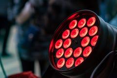 Источник красного света этапа повернутый дальше Стоковые Фотографии RF