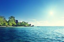 Источник d'Argent, остров пляжа Digue Ла Стоковая Фотография RF