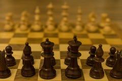 Исходная позиция шахматной доски от черного взгляда со стороны стоковые фотографии rf
