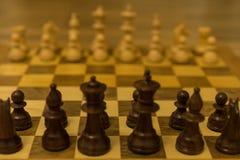 Исходная позиция шахматной доски от черного взгляда со стороны стоковое изображение rf