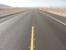 Исчезая дорога пустыни - Лас-Вегас Стоковая Фотография