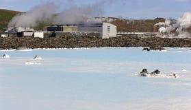 Исландия. Полуостров Reykjanes. Голубая лагуна. Геотермический курорт. Молотилка Стоковые Изображения