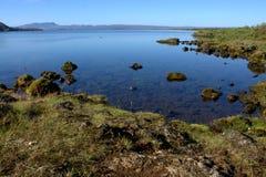 Исландский ландшафт с озером Thingvallavatn в Thingvellir Стоковые Фото