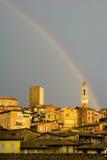 Италия над радугой siena стоковое изображение rf